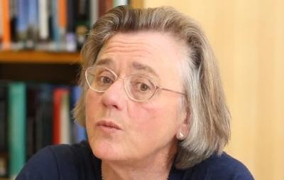 Elizabeth Knowles